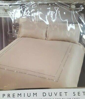 Isla Gold  Diamante  Border premium bedding set.New double  size  .