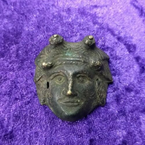 Nicely detailed Roman Bronze applique of a face - Circa. 200 - 300 AD