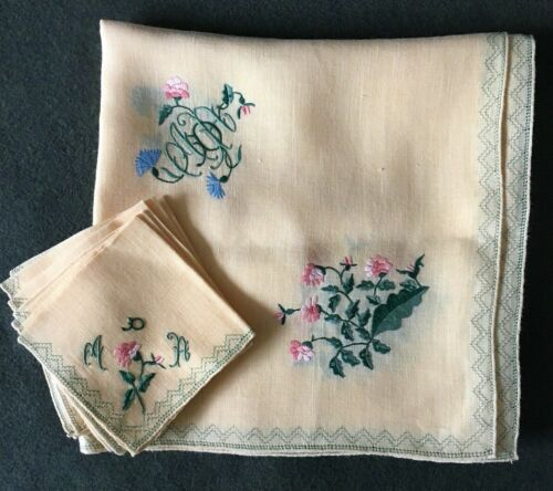 Vintage Table Cloth with Napkins