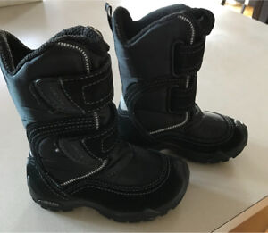 New Geox winter boots size 9