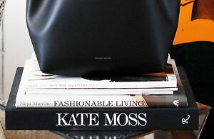 5 Must-Have Fashion Books