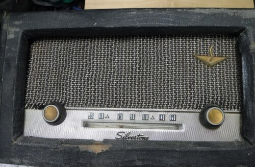 VINTAGE SEARS SILVERTONE   AM TUBE RADIO FOR PARTS AND RESTORATION