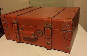 Luggage chest