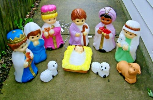Vintage Empire 10 Pc Nativity Light Up Blow Mold Set Small Baby Child Set 1996