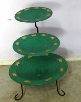 3 Bowls on tier stand