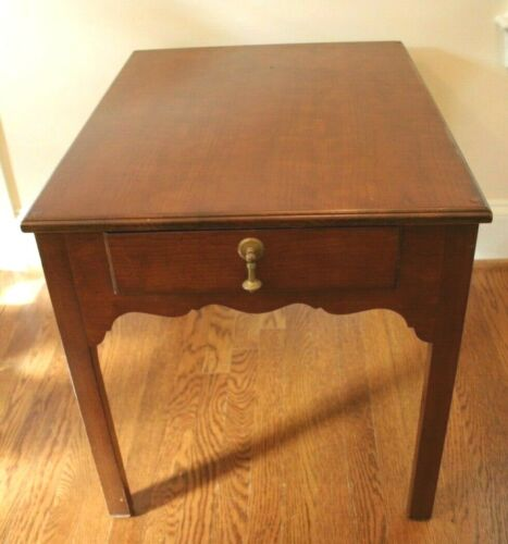 Wright Table Company Mahogany Lamp End Table Traditional 22w x 28 deep x 23 high
