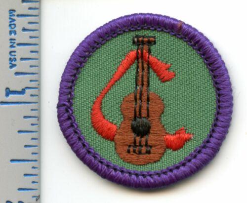 Vintage Girl Scout Badge - Music Lover - 1980-2001 - retired