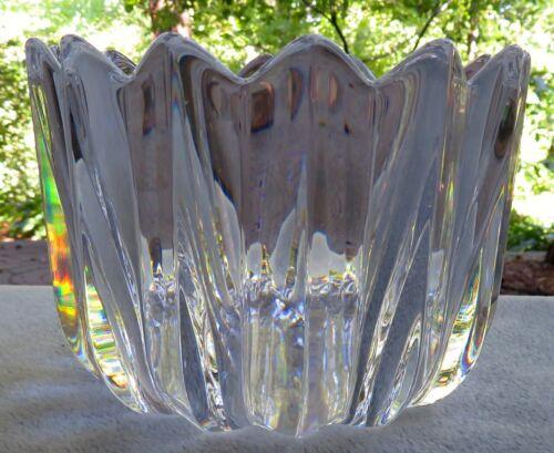 Orrefors Crystal Fleur Large 8 3/4 Inch Bowl Petal Points - Mint