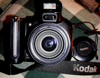 2 Megapixels Kodak Easyshare - Kodak EasyShare P880 5.8x 8.0 Mega Pixels Digital Camera, 2 Batterys and Charger
