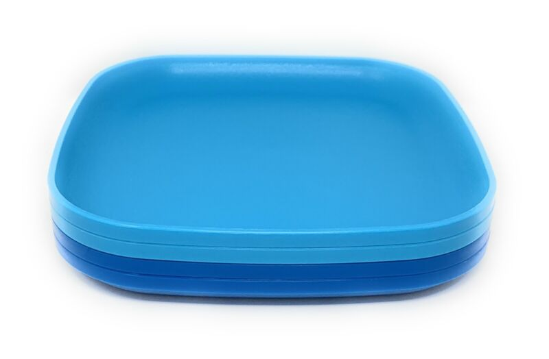 Tupperware Set of 4 Blue Luncheon Plates 8 Inches With Raised Edges NEW