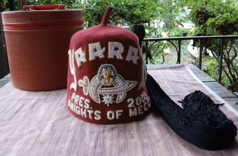 YAARA PRES. KNIGHTS of MECCA RHINESTONE Shriner Masonic FEZ HAT SPHINX with Case