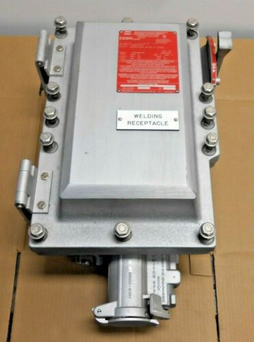 NEW CROUSE HINDS EBBRA604 60A CIRCUIT BREAKER DISCONNECT WITH RECEPTACLE HAZ LOC