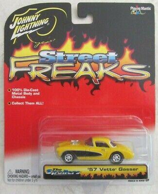 Calle Freaks Johnny Lightning 1957 Corvette Amarillo '57 Corvette Gasser
