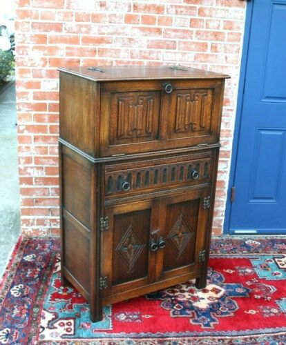 English Antique Oak  Bar Cabinet With Light