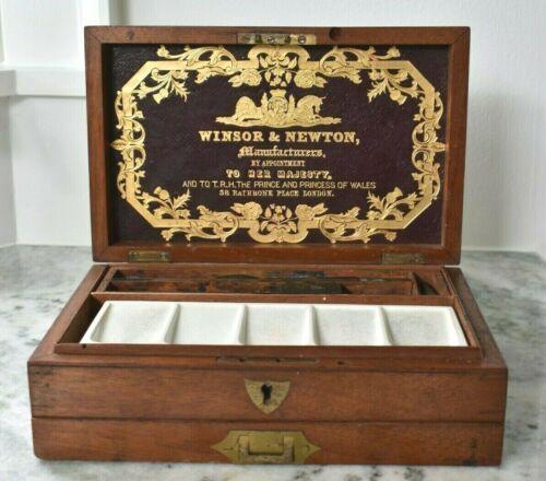Antique Victorian WINSOR & NEWTON Wood English Painter Original Artist Paint Box
