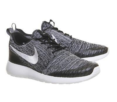 Nike Roshe One Flyknit Trainers 704927-010 Black White Cool Grey UK 4