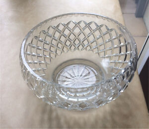 Fine Cut Glass bowl in great condition Cammeray North Sydney Area Preview