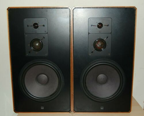 Pair of VINTAGE ADS A/D/S Model L880 Speakers