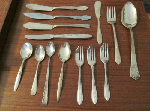Mixed lot of vintage silverplate flatware