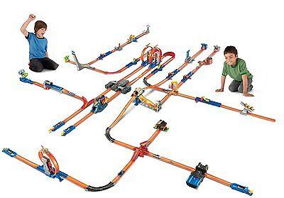 Hot Wheels Track Builder Total Turbo Takeover Track Set