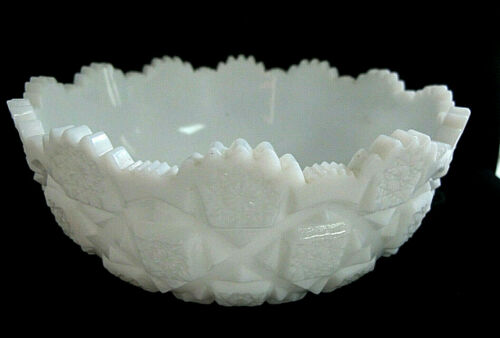 """Vintage Westmoreland Style """"Old Quilt"""" Knock Off Scalloped Milk Glass Bowl-7.5"""""""