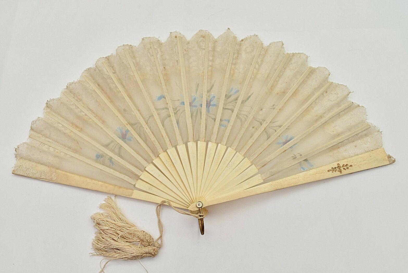 Eventail mousseline gouachée décor floral dentelle painted muslin fan