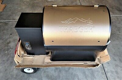 Traeger Pro Series 22 Wood Pellet Grill, Bronze. Pickup Only
