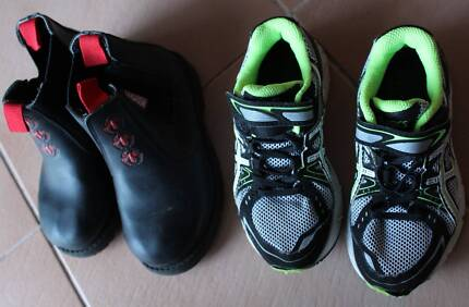 Toddler BOY Shoes/ ASICS Sneakers/ Boots size 11