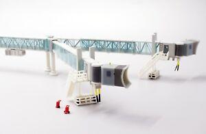 1:200 Airport Passenger Bridge ( Wide body Aircraft ) JC Wings LH2148