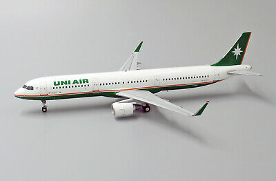 JC WINGS LH2096 1/200 UNI AIR AIRBUS A321 B-16210 WITH STAND