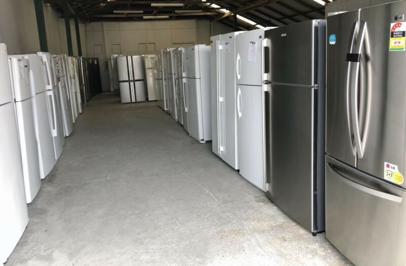 BIG FRIDGE SALE IN GEEBUNG DELIVERY WARRANTY