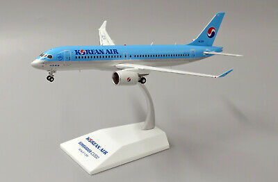 JC WINGS EW2CS3001 1/200 KOREAN AIR BOMBARDIER CS300 HL7201 WITH STAND