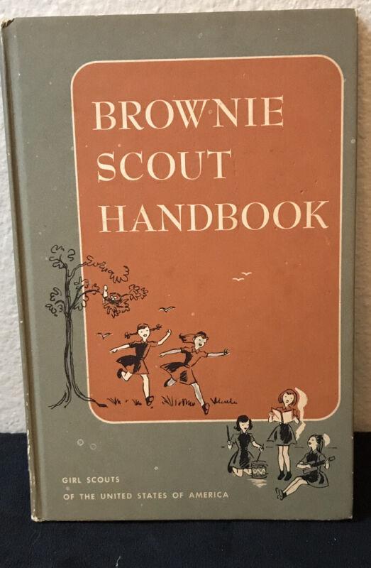 Vintage BROWNIE SCOUT HANDBOOK 1960 PRINTING.,GSA Girl scouts book