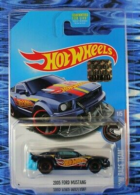 2017 Hot Wheels 2005 Ford Mustang Super Treasure Hunt w/Protector Factory Sealed