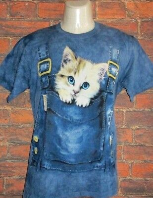 MENS THE MOUNTAIN BY ON THE BYAS BLUE CAT T-SHIRT SIZE M