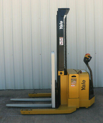2010 Yale Walkie Stacker - Walk Behind Forklift - Straddle Lift Only 2858 Hours
