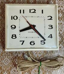 VINTAGE GENERAL ELECTRIC RETRO ELECTRIC KITCHEN WALL CLOCK U.S.A MODEL 2145