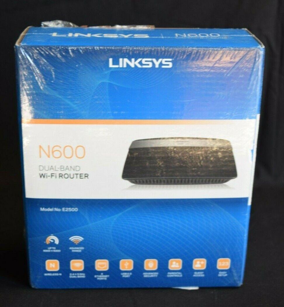 Linksys E2500  Advanced Simultaneous Dual-Band Wireless-N Ro