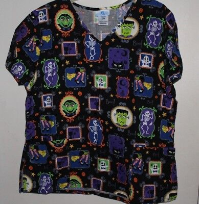 SB Scrubs Black Halloween Monsters in Picture Frames Nurses Scrub Size XL - Halloween Nurses Scrubs