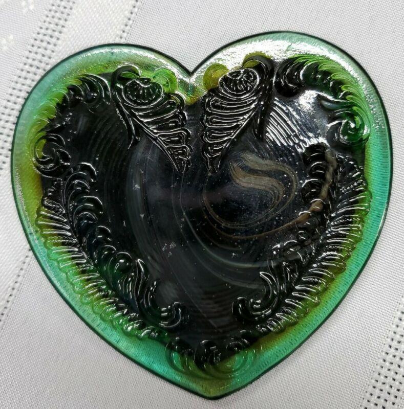 Boyd Glass Green Brown Marbled Heart Shape Jewel Jewelry Trinket Box Scrolled