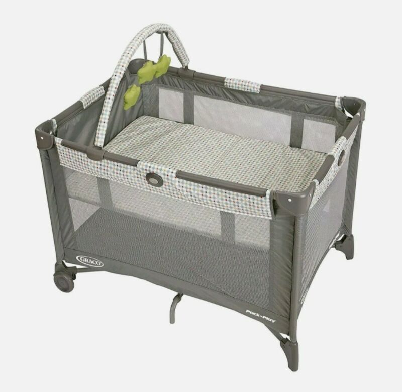 Graco Pack & Play On the Go Playard Full-Size Infant Bassinet Push Button