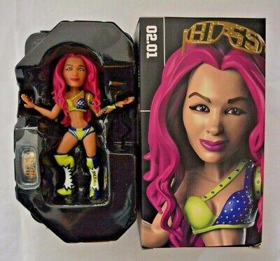 Loot Crate WWE Wrestling Sammelfiguren / Sasha Banks ca.12 cm groß mit Ring-Base
