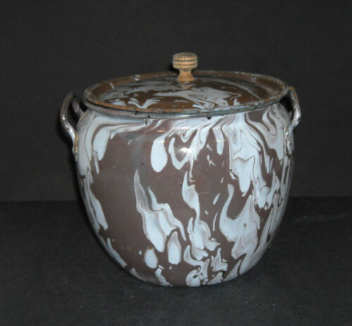 Small Brown & White Swirl Graniteware Berlin-Style Covered Kettle Enamel Ware