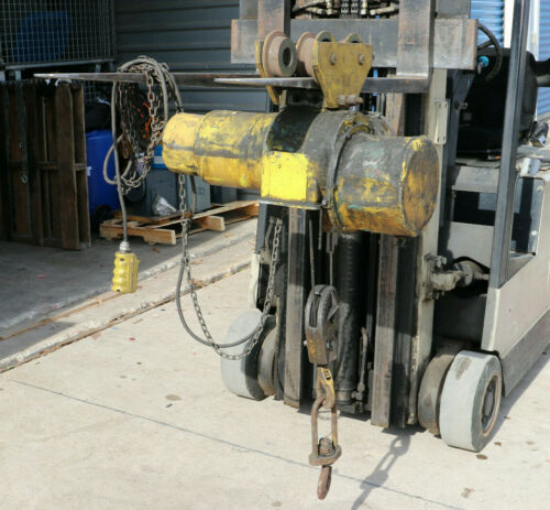 ROBBINS & MYERS  1 TON WIRE ROPE HOIST with TROLLEY