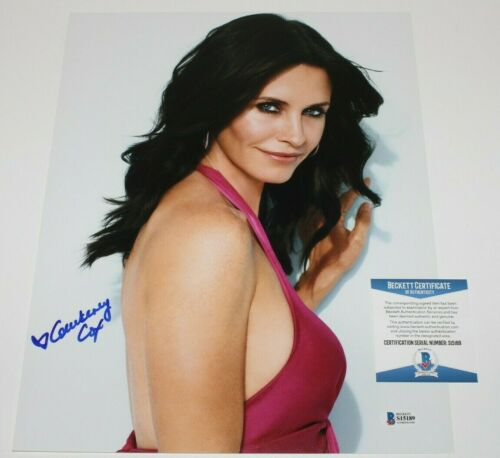 ACTRESS COURTENEY COX SIGNED FRIENDS 11x14 PHOTO BECKETT COA MONICA SCREAM MOVIE