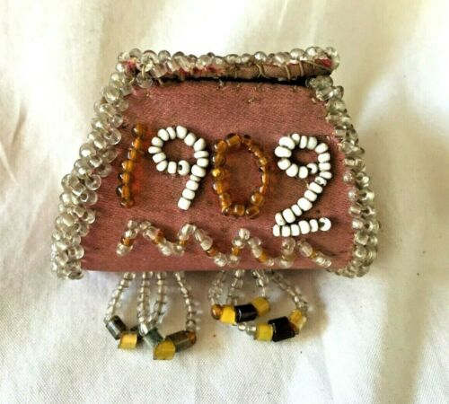 Antique IROQUOIS Native American INDIAN Beaded WHIMSY BOX. Circa 1902