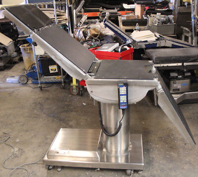 Skytron 6600 180 Degree Swivel Or Surgical Table