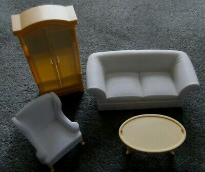 BARBIE KEN DOLL HOUSE FURNITURE - YELLOW & WHITE LIVING ROOM SOFA, CHAIR, TABLE