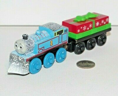 Thomas & Friends Wooden Railway Train Tank w Christmas Music Holiday Present Car ()
