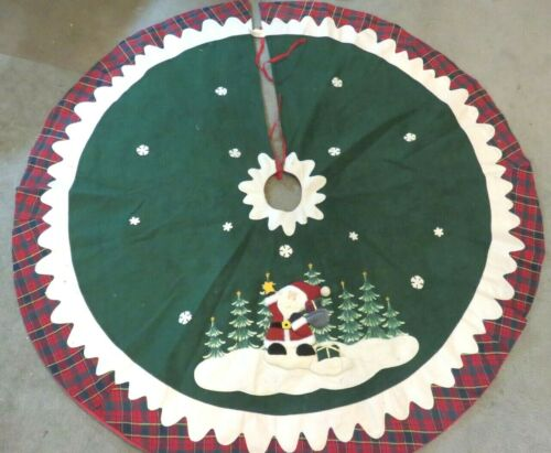 VINTAGE DAN DEE COLLECTORS CHOICE CHRISTMAS TREE SKIRT 52 INCH DIAMETER